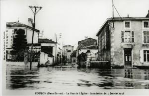 Coulon, la Rue de l'Eglise, inondation du 5 janvier 1936. Marais poitevin