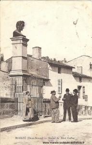 Mauzé-sur-le-Mignon, statue de René Caillié